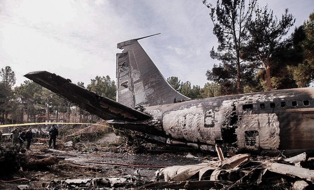 Авиакатастрофа под Тегераном: Появились жуткие кадры с места крушения