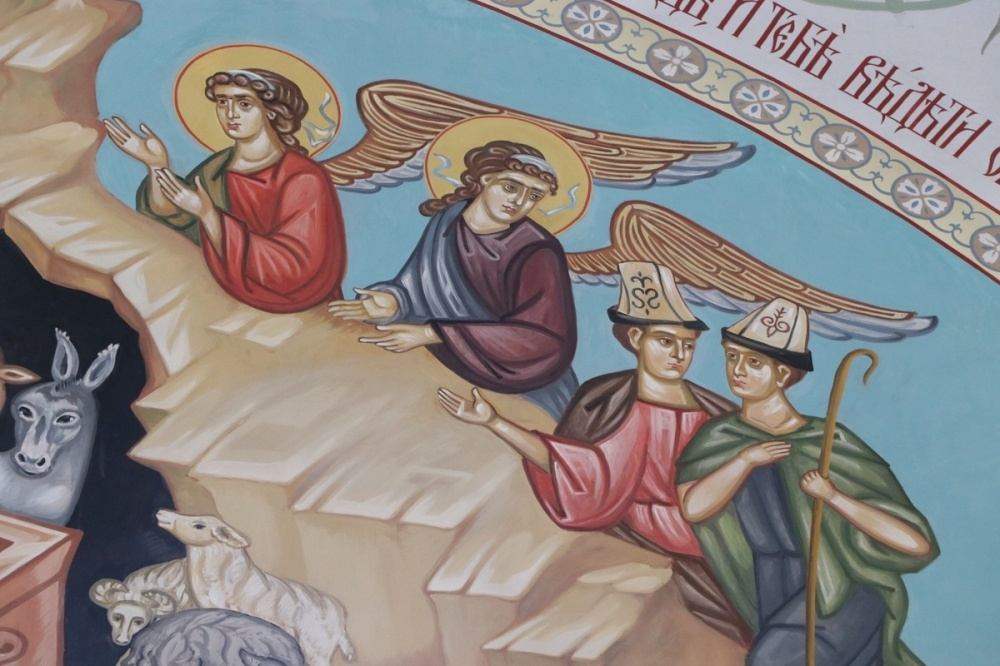 Люди в ак-калпаках появились на росписях Свято-Воскресенского собора
