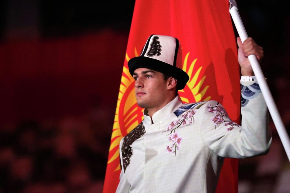 Японцы восторгаются красотой Дениса Петрашова и нашей олимпийской формой