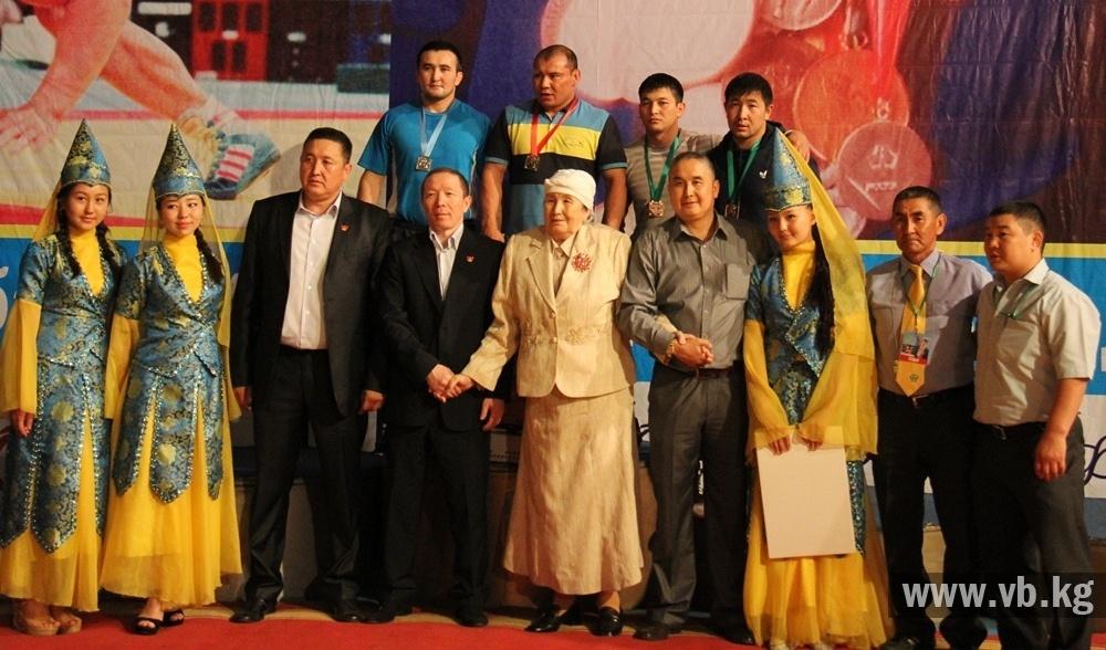 Смотреть азиатские соревнования по минету 9 фотография