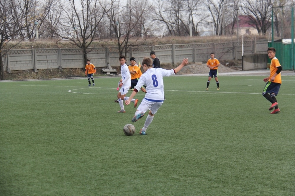 скачать игру футбол 15 - фото 2