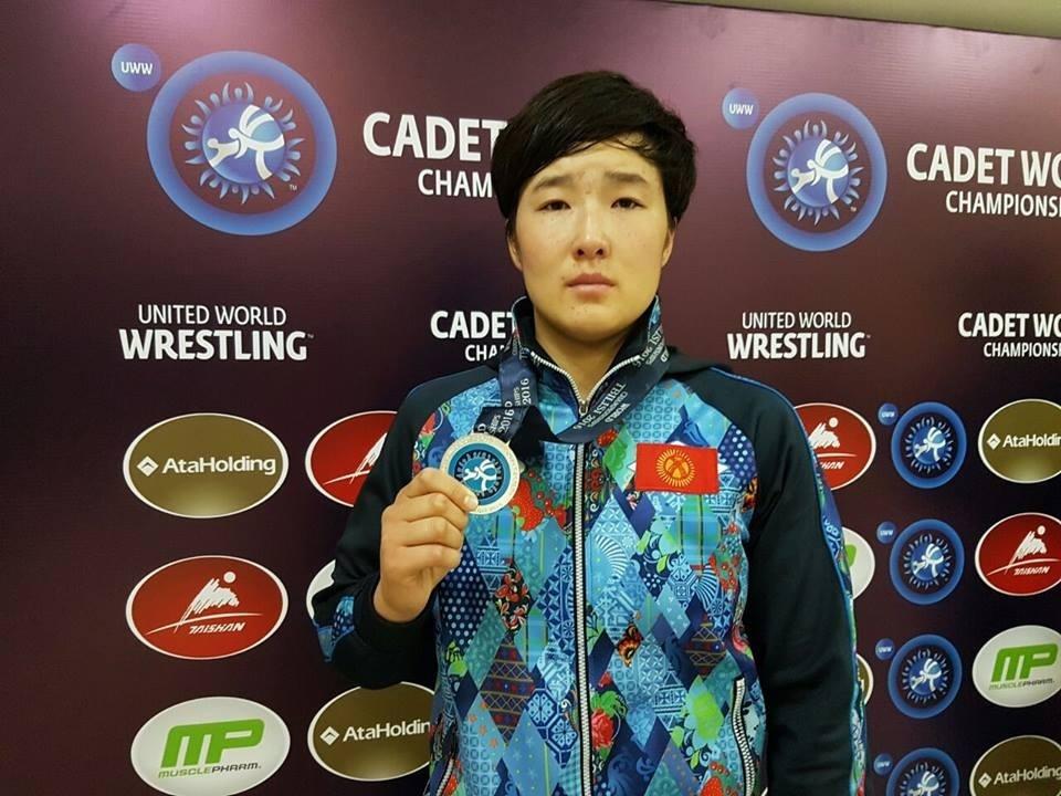 Айпери Медет кызы - Чемпионка мира по борьбе среди юниоров
