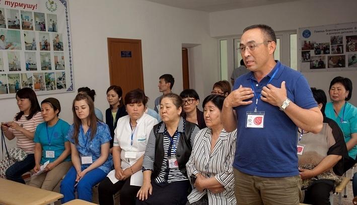 Зарубежные волонтеры показали современные методы реабилитации детей с ДЦП